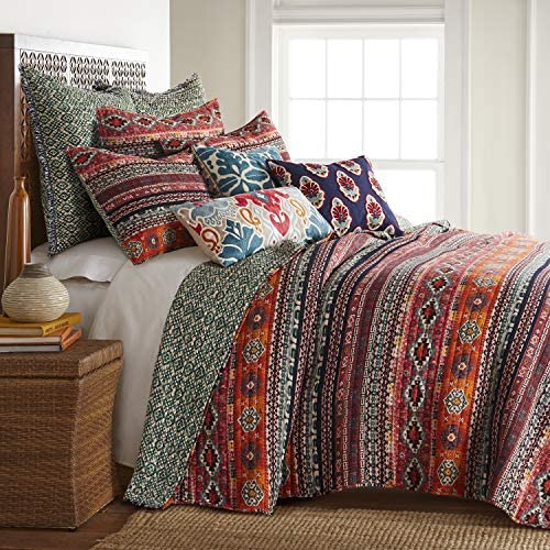 Levtex home – Vista Quilt Set – King Quilt + Two King Pillow Shams – Tribal Rug – Orange, Green, Red, Black – Quilt (106x92in.) and Pillow Shams (36x20in.) – Reversible – Rayon and Cotton