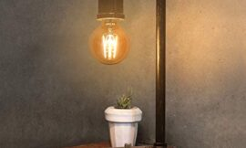 Industrial Table Lamp, Vintage Bedside Lamp with USB Charging Port Dimmable Steampunk Office Lamp Metal Pipe Edison Reading Lamp for Bedroom, Coffee, Dorm, Farmhouse Decor G25 6W LED Bulb Included
