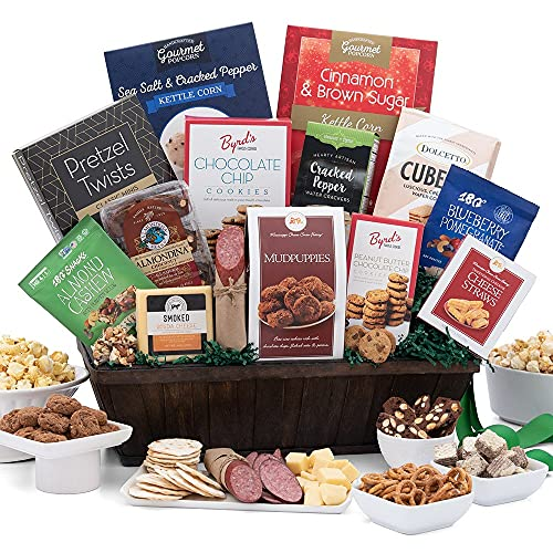 Read more about the article Snack & Chocolate Gift Basket Deluxe