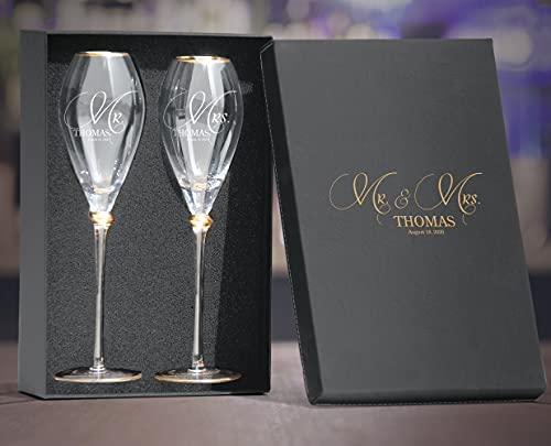 Read more about the article Set of 2 Personalized Wedding Engraved Champagne Flutes- Mr and Mrs Design – For Weddings,Parties and Anniversary
